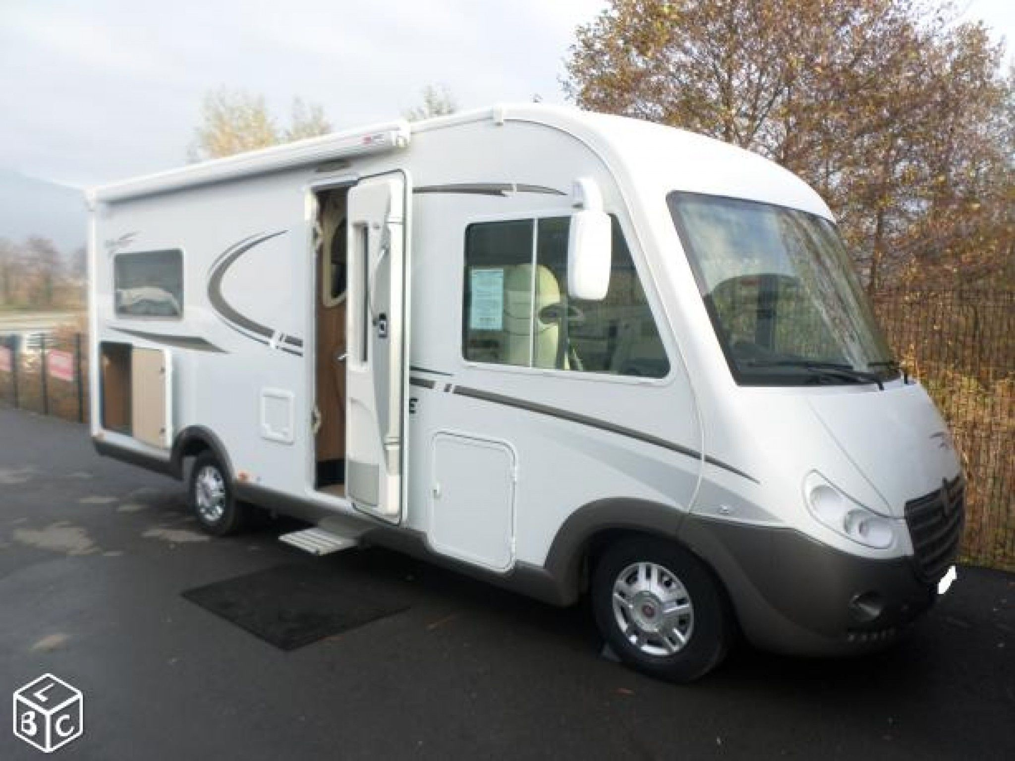 Camping-car PILOTE g690 LCR