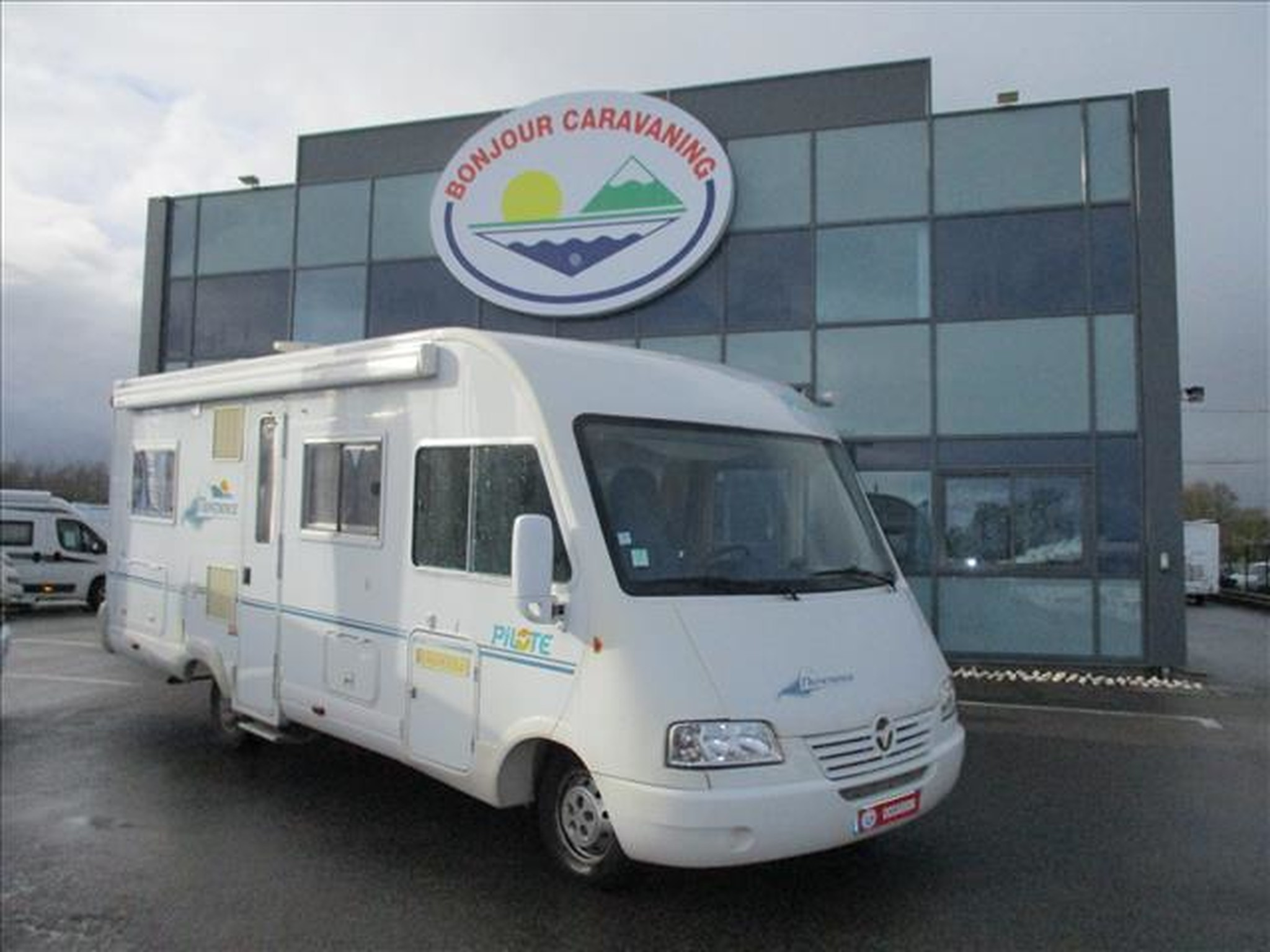 Camping-car PILOTE REFERENCE G 680 .