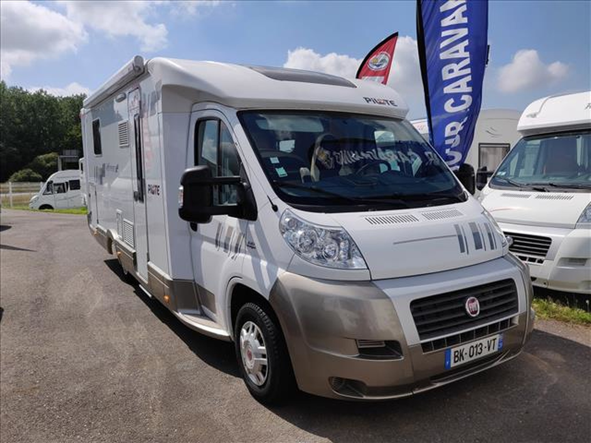 Camping-car PILOTE REFERENCE P 734 LCR FIAT DUCATO 2.3L 130CV