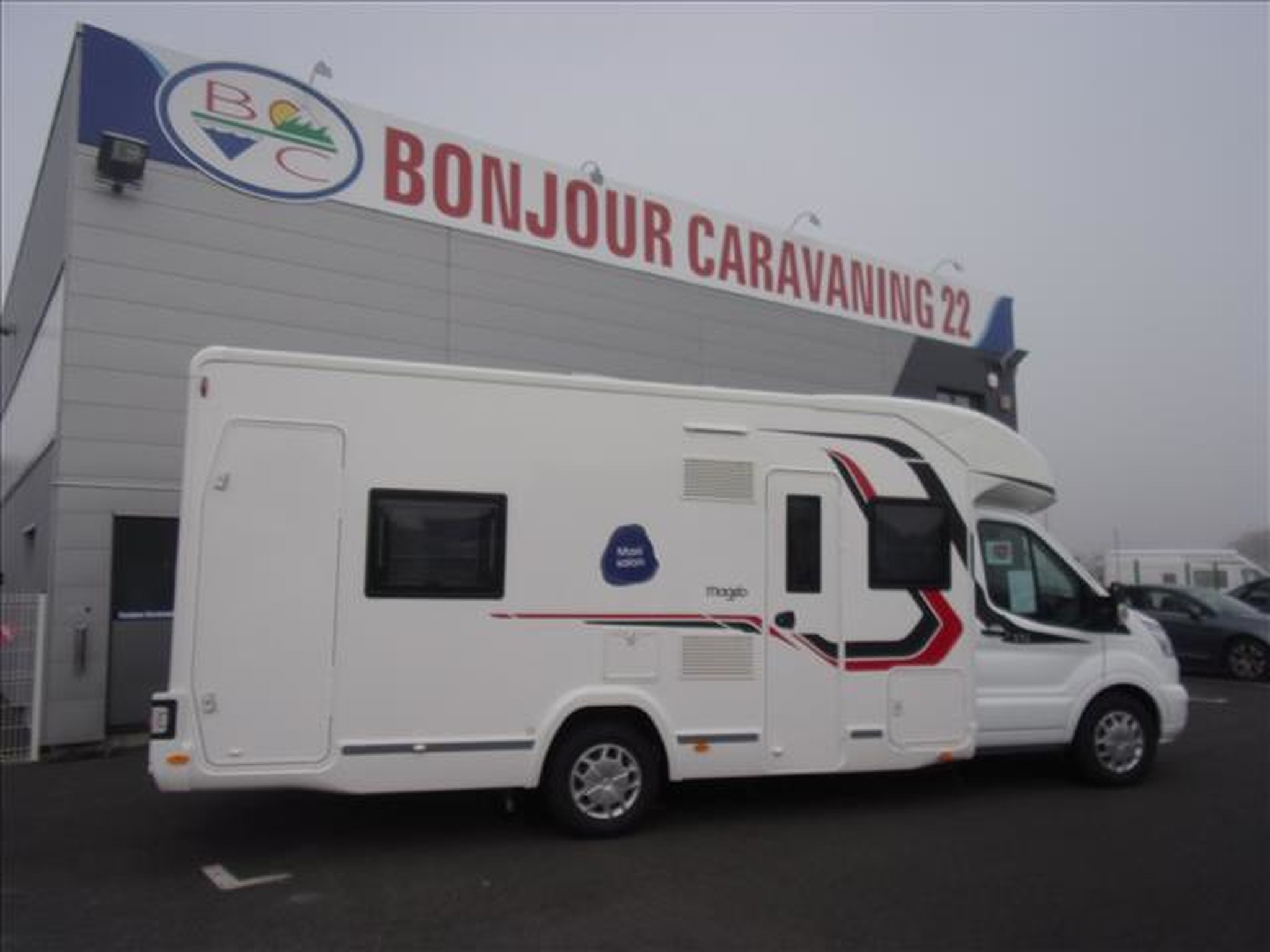 Camping-car CHALLENGER MAGEO 396 FORD TRANSIT 2.0 TDCI 170