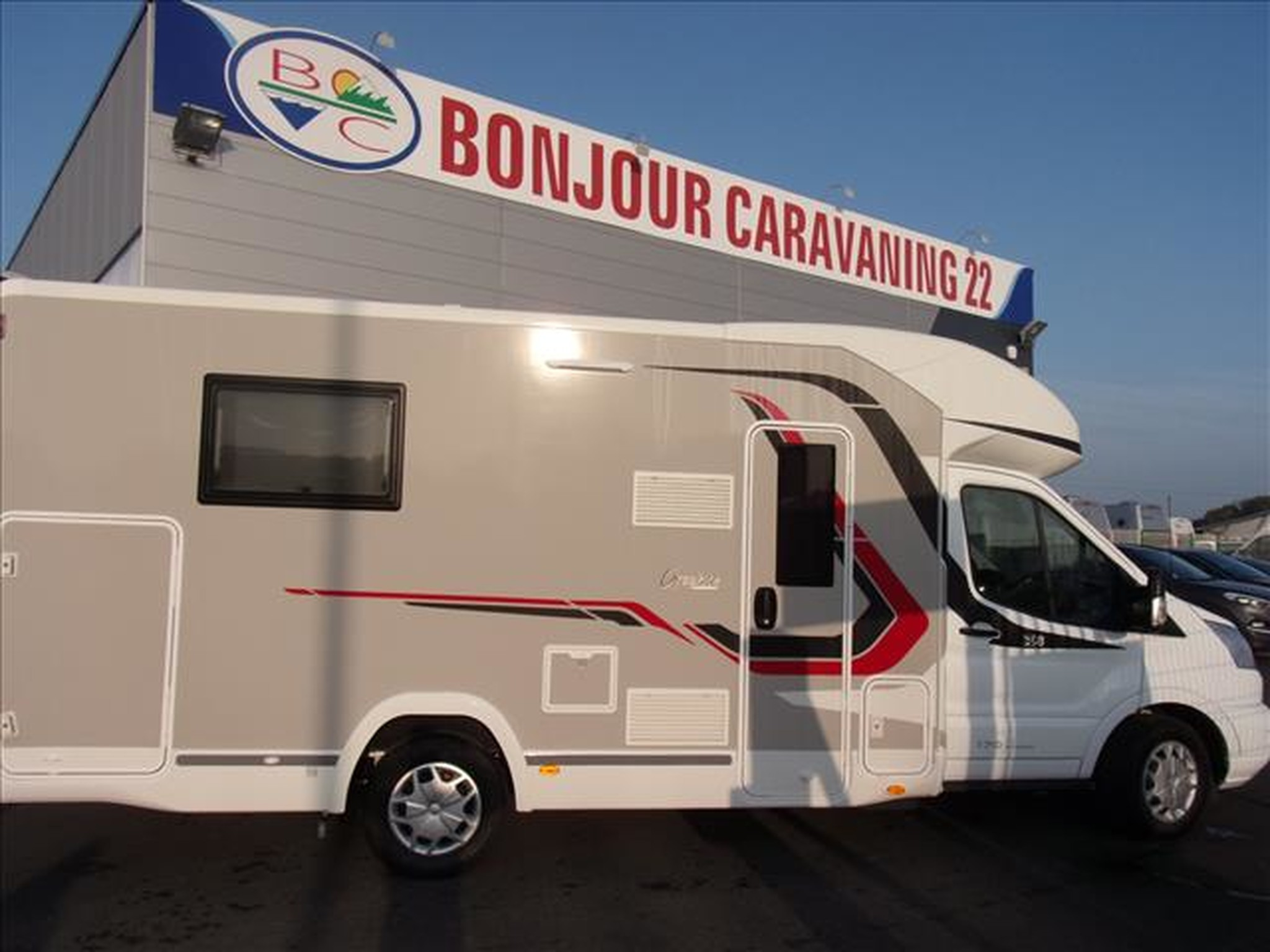 Camping-car CHALLENGER GRAPHITE 358 FORD TRANSIT 2.0 TDCI 170