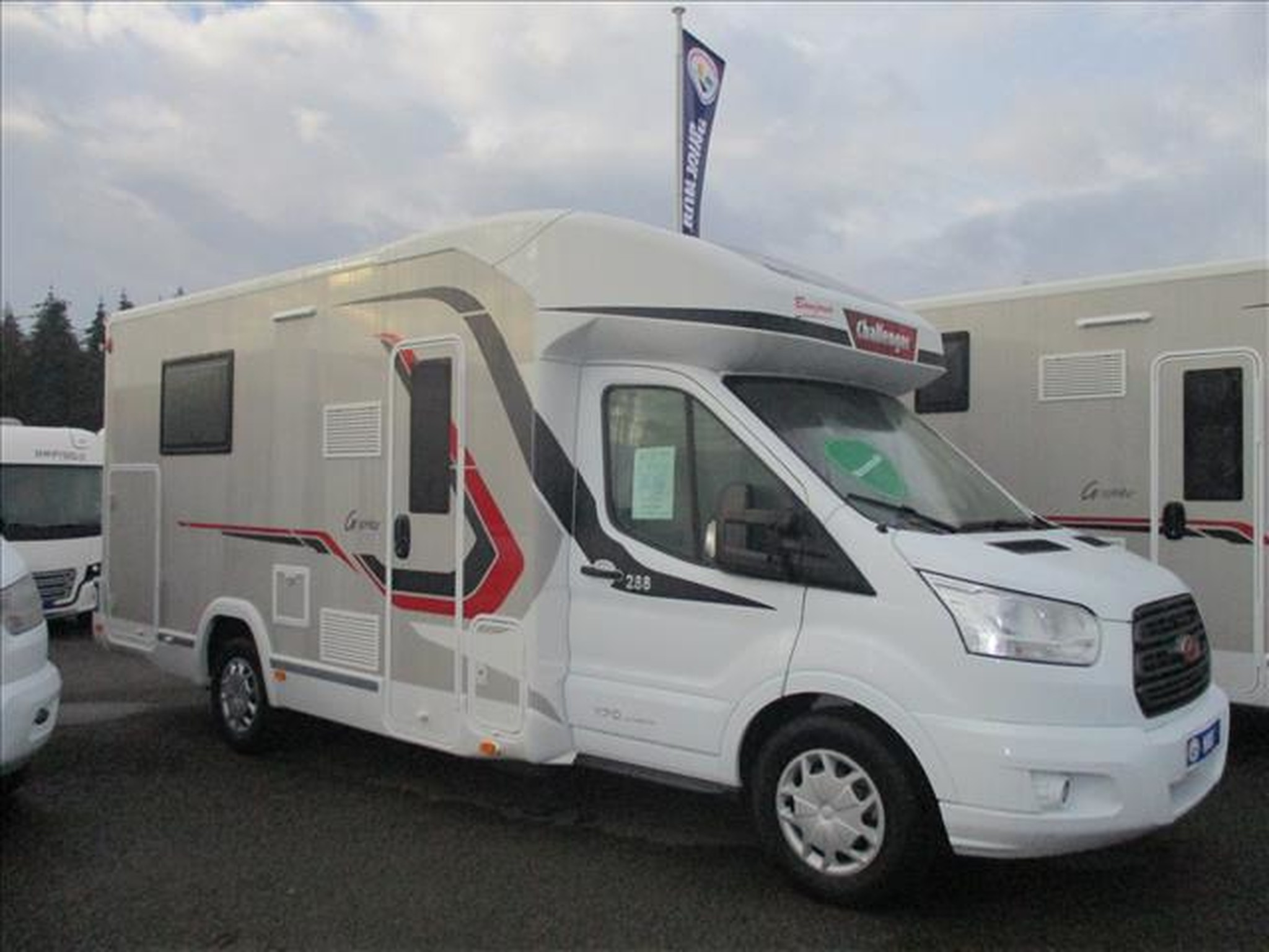 Camping-car CHALLENGER GRAPHITE 288 FORD TRANSIT 2.0 TDCI 170