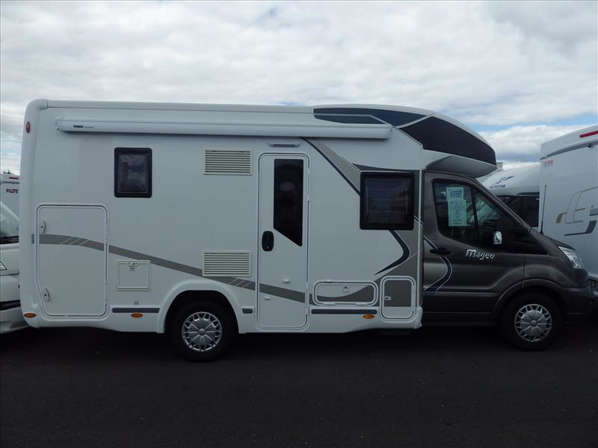 Camping-car CHALLENGER MAGEO 290 FORD TRANSIT 2.0 155
