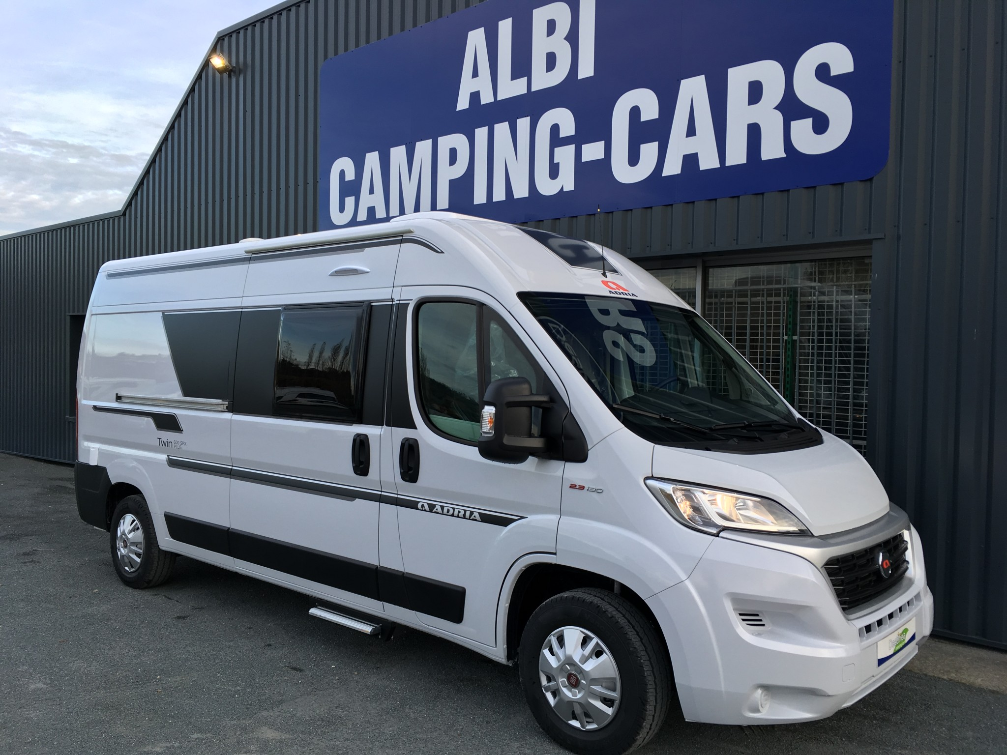 Camping-car ADRIA TWIN 600 SPX version plus