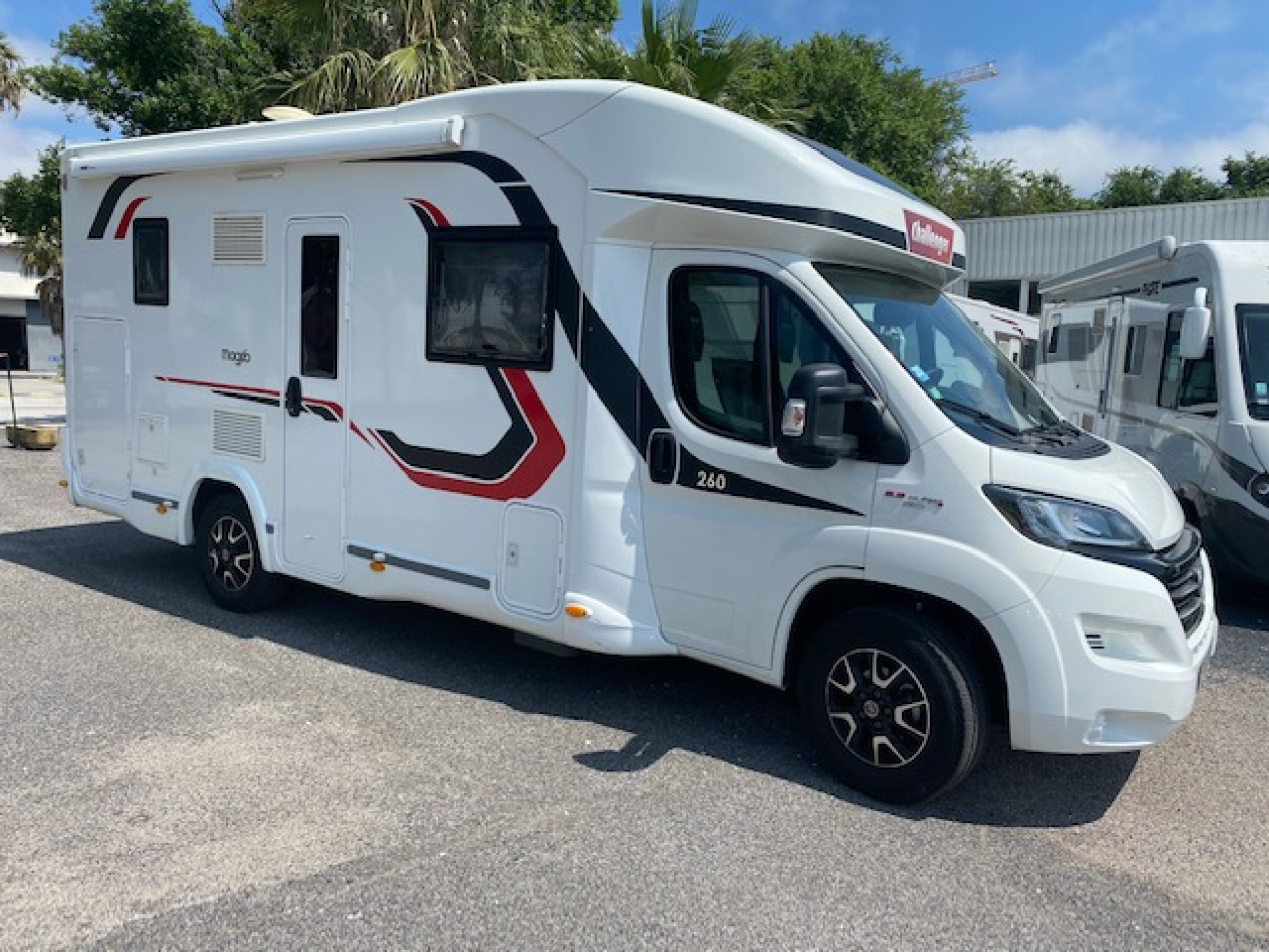 Camping-car CHALLENGER MAGEO 260