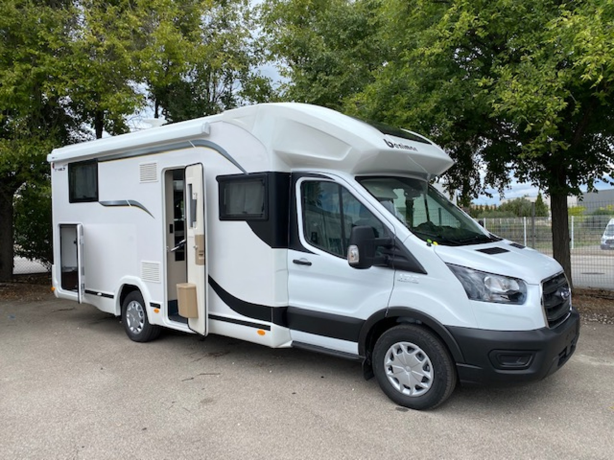 Camping-car BENIMAR TESSORO T463 UP