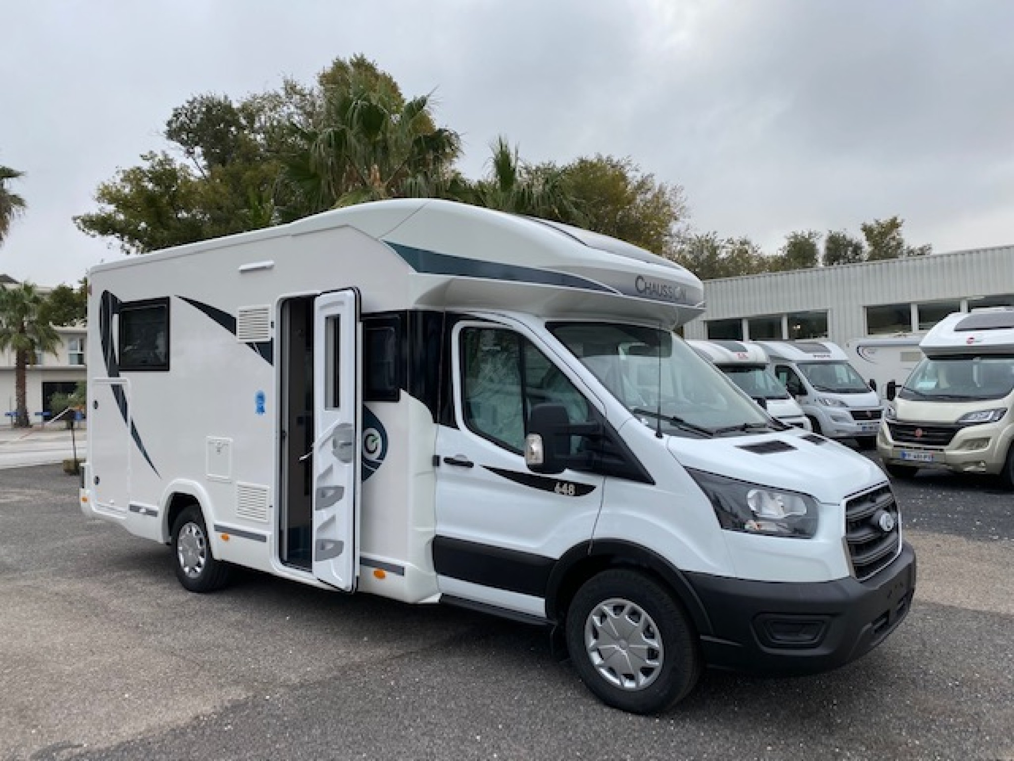 Camping-car CHAUSSON FIRST LINE 648