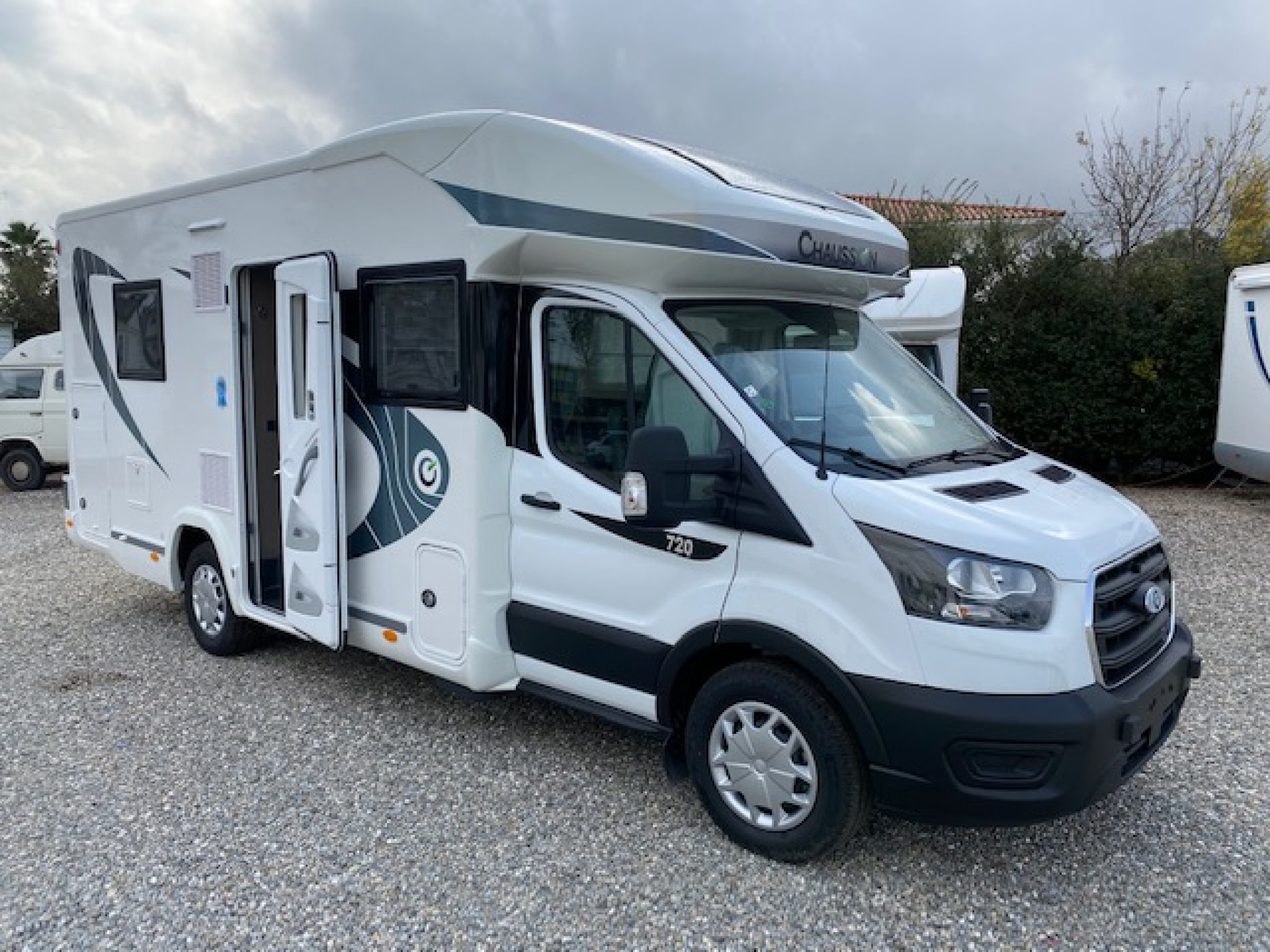 Camping-car CHAUSSON FIRST LINE 720