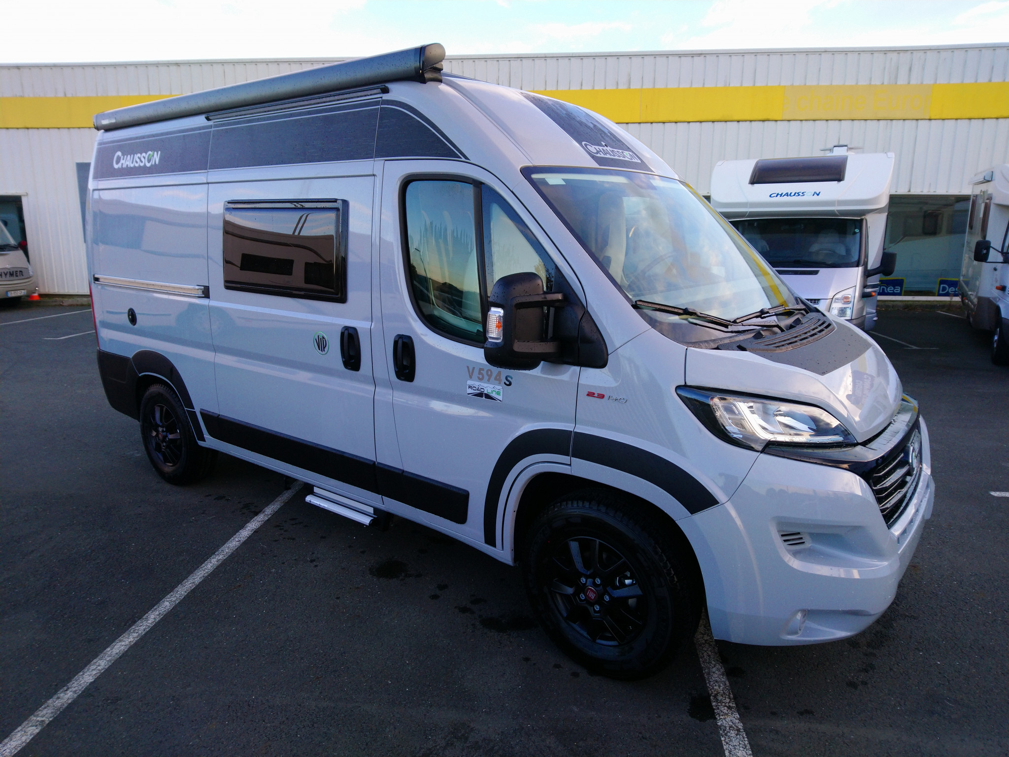 Camping-car CHAUSSON V594S ROAD LINE VIP