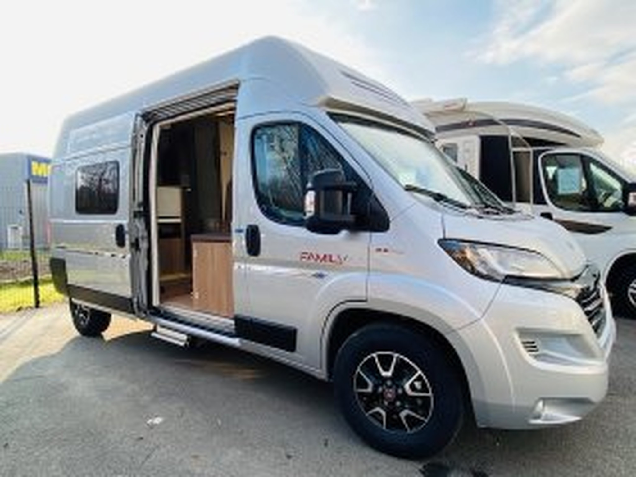 Camping-car CAMPEREVE Family Van