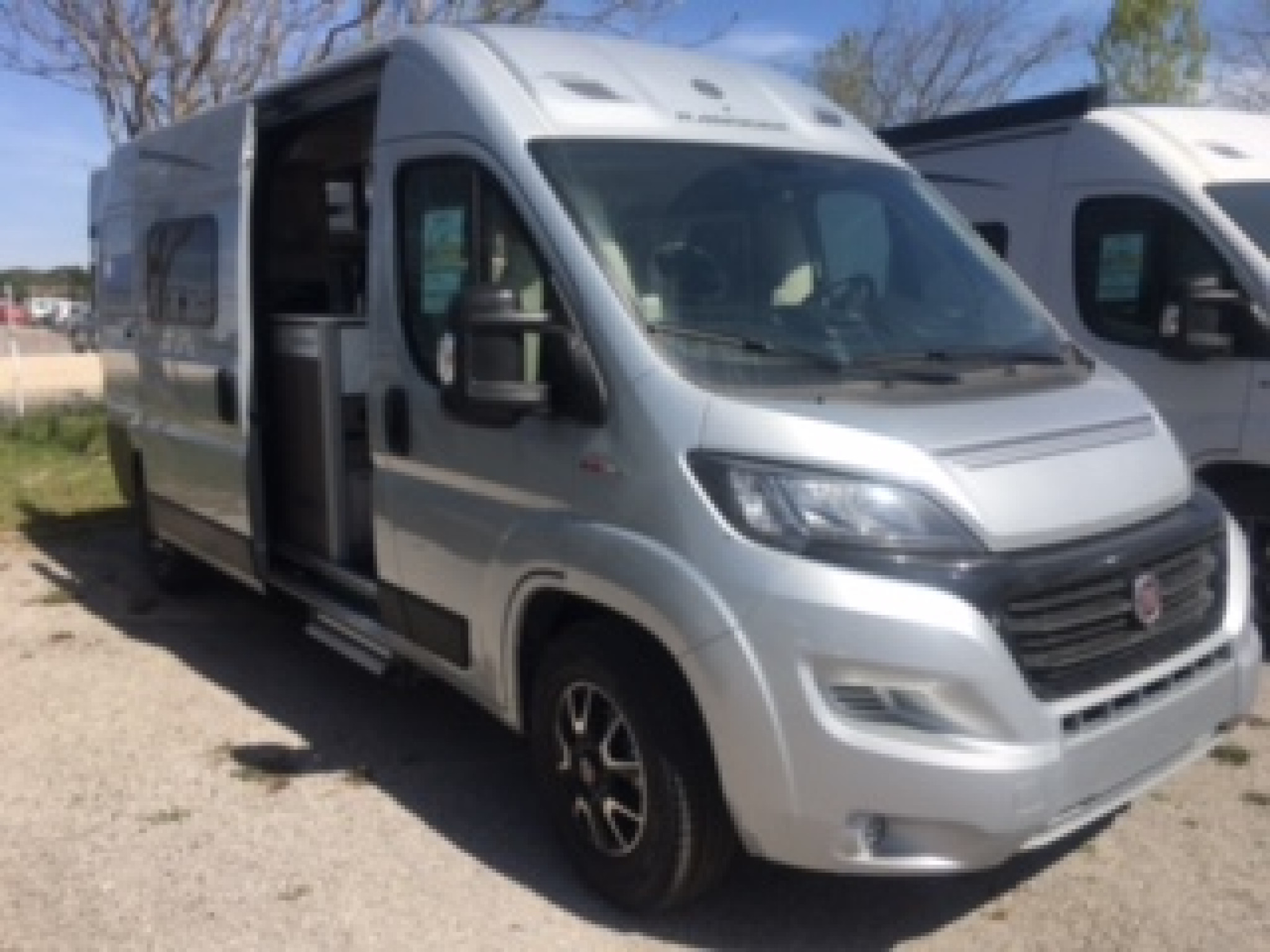 Camping-car RANDGER r 600 5 places couchages