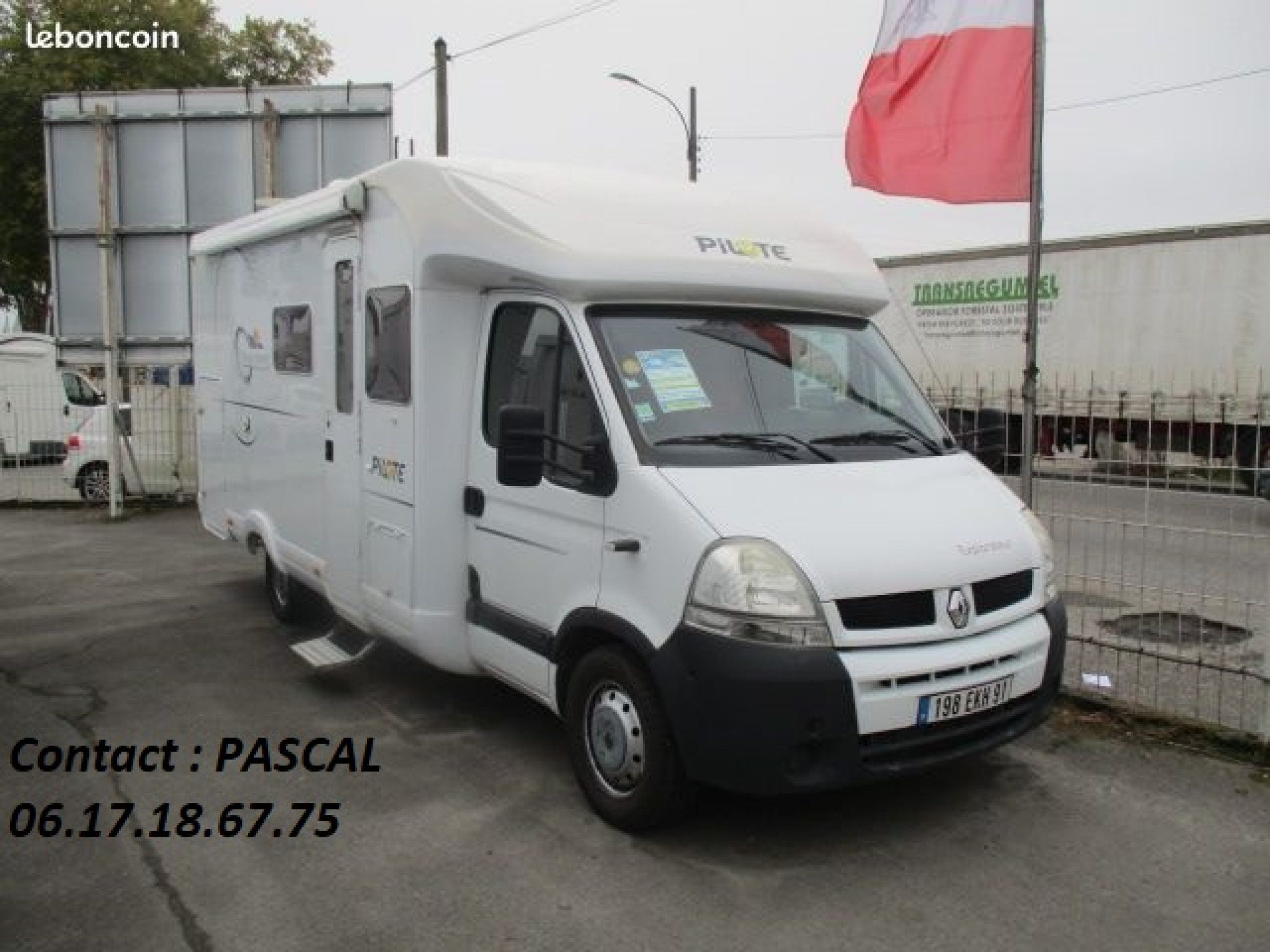 Camping-car PILOTE Pilote explorateur 685 fg - lit transversal sur so