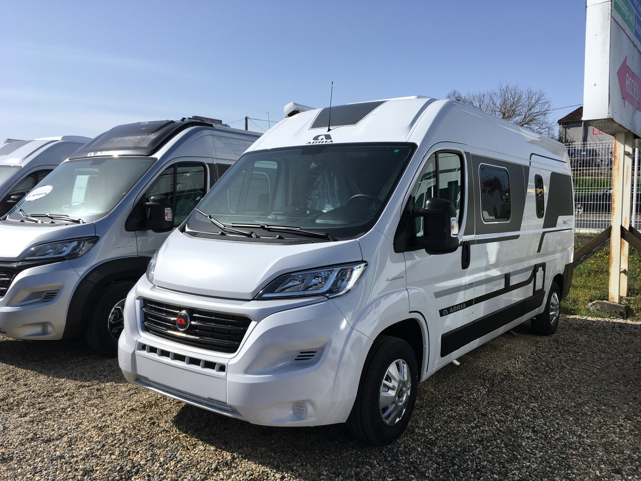Camping-car ADRIA TWIN PLUS 600 SPB FAMILY